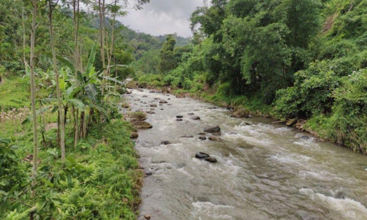 Lampir River