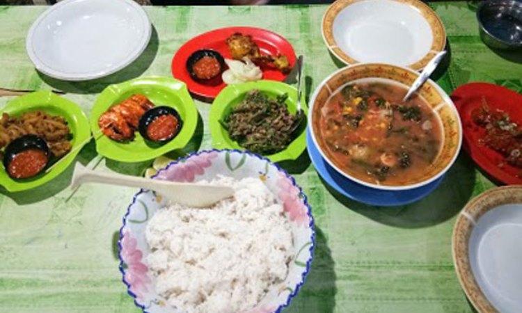 10 Wisata Kuliner di Palopo yang Murah & Enak