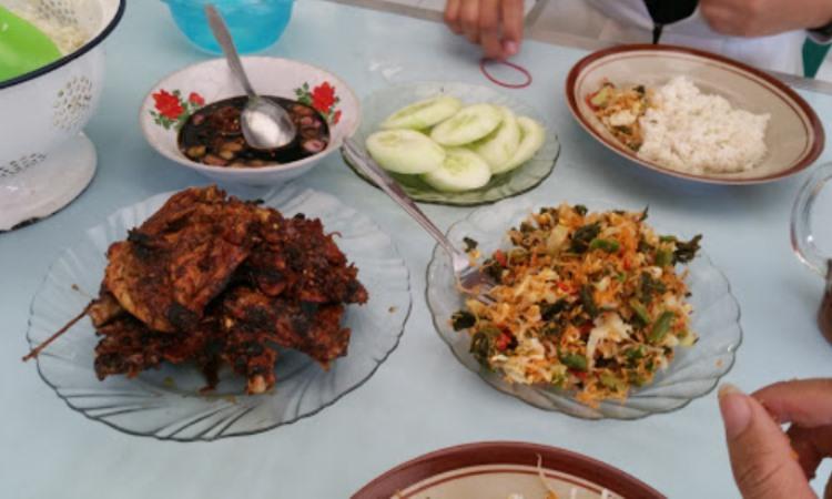 Ayam Panggang Tirtomoyo