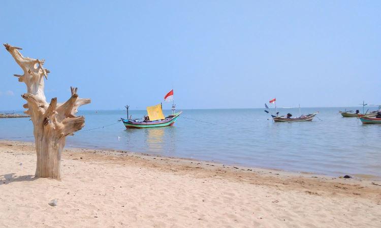 Pantai Kelapa Atau Panyuran