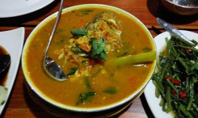 Ratu Lingga Cafe & Resto