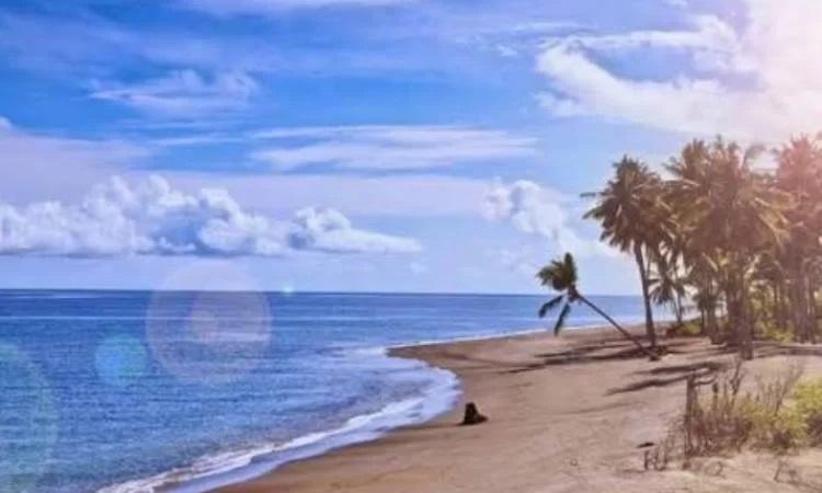 Pantai Lokok Piko