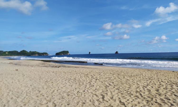 Pantai Bajul Mati, Malang