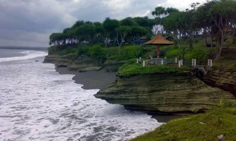 Pantai Batu Hiu, Pangandaran