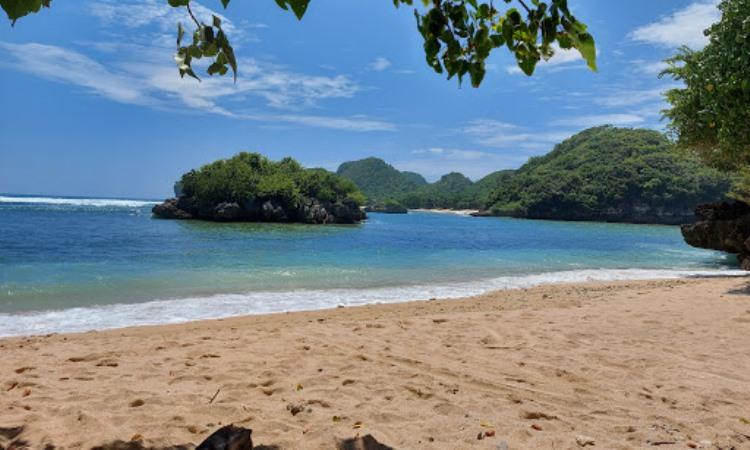 Pantai Gatra, Malang