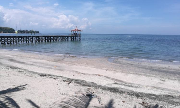 Pantai Pasir Putih, Situbondo