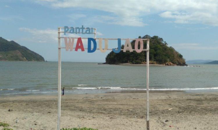 Pantai Wadu Jao