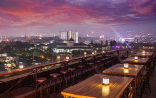 22 Cafe & Tempat Nongkrong di Bandung yang Hits dan Kekinian