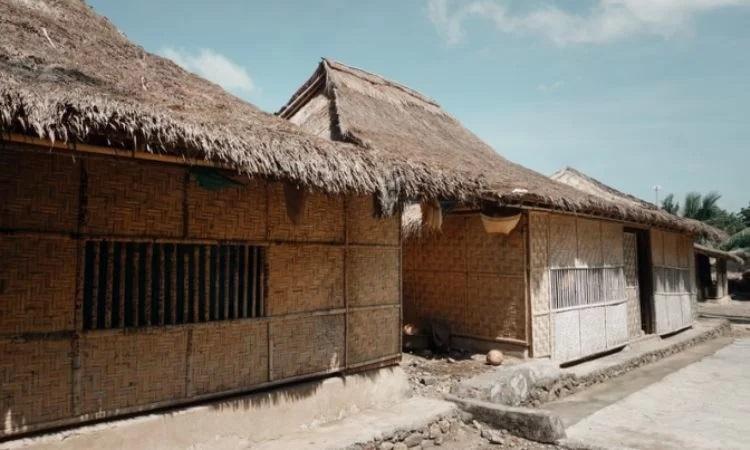 Desa Adat Sukarara