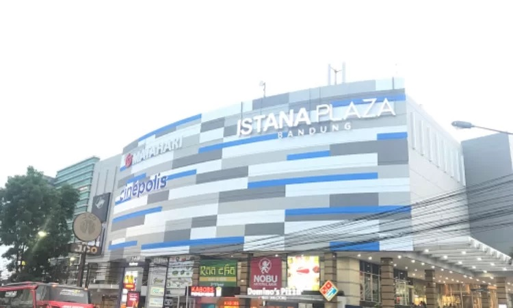 Istana Plaza Bandung