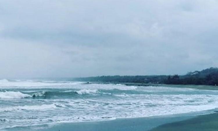 Pantai Cidora