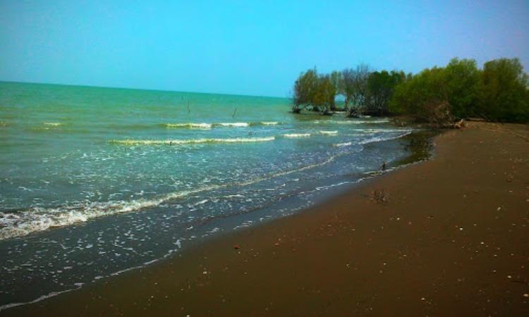Pantai Cirewang