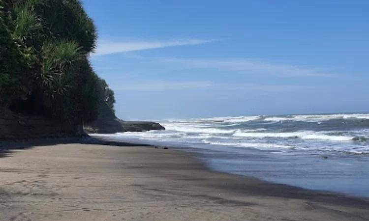 Pantai Karang Potong