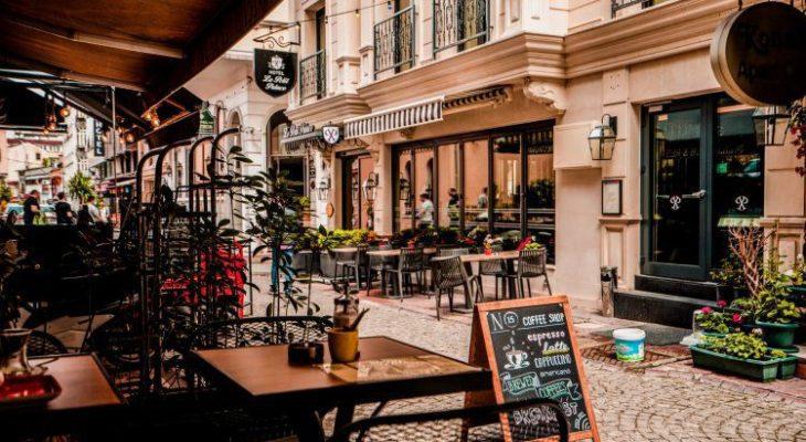 25 Cafe & Tempat Nongkrong di Jakarta yang Hits dan Kekinian