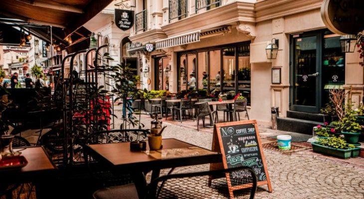 15 Cafe & Tempat Nongkrong di Jakarta Selatan yang Hits dan Kekinian