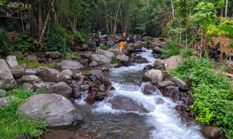 Cikadongdong River Tubing