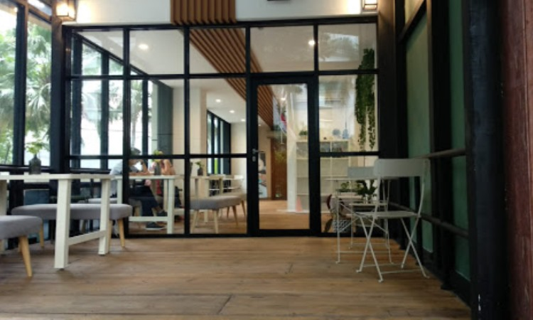 Emji Coffee Bar & Space