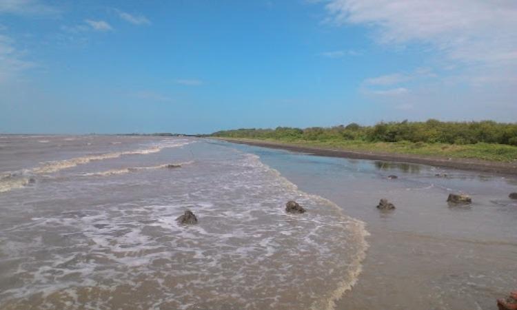 Pantai Sarakan