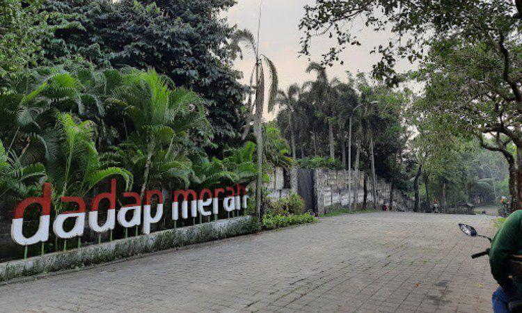 Taman Dadap Merah