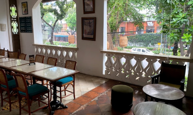 Tugu Kawisari Coffee & Eatery